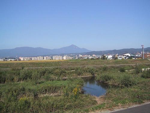 湯川と磐梯山
