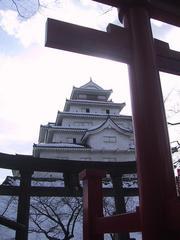 鶴ヶ城稲荷神社より望む