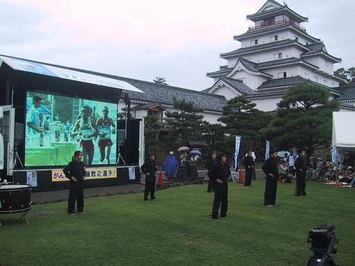佐藤選手の母校、会津高校応援団による応援