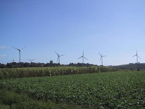 布引高原風力発電の風車1