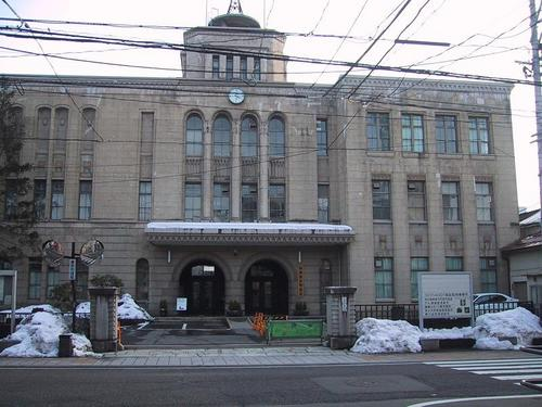 市役所正面