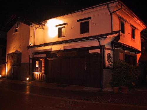 遠藤米穀店ライトアップ