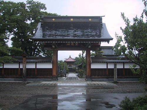 妙国寺の山門