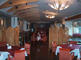 1Fレストラン「マンマミーア」